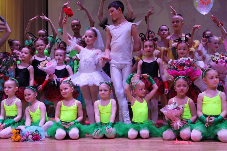 Благотворительный концерт ко Дню защиты детей в ДК пос. Листвянка 2019